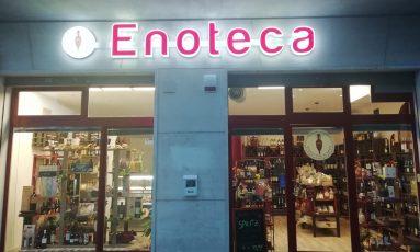 Enoteca Vino in Anfora aperta fino alle 20:30 anche di Sabato