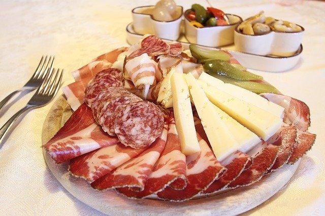 Gastronomia con prezzi tagliati fino a fine anno